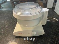 Bosch Universal Plus 6 quart Kitchen Stand Mixer Machine 800W MUM6N10 UC