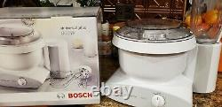 Bosch Universal Plus Mixer 800 Watt withAttachments MUM6N10UC extras Original Box