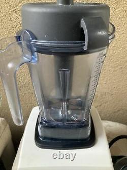 Vitamix 5000 Total Nutrition Center Food Processor Blender USA Vm0103
